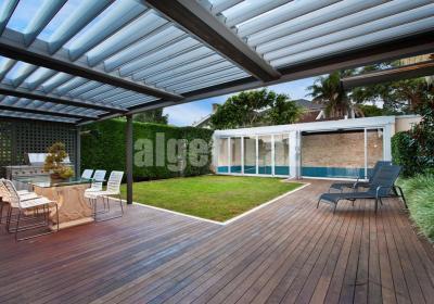izmir rolling roof pergola