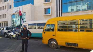 جانب من اعتصام أصحاب باصات نقل الطلبة أمام وزارة النقل
