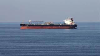 Photo of الأهمية الاستراتيجية للممرات البحرية في تجارة البترول الدولية