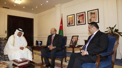 Photo of الرزاز يستقبل السفير القطري في عمان