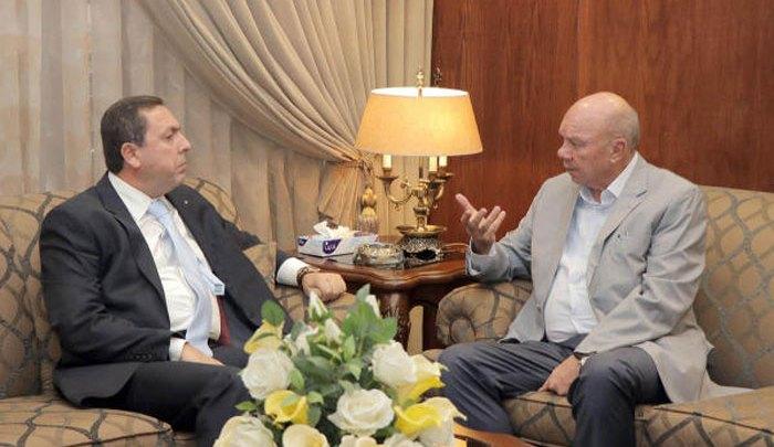 Photo of الفايز يدعو لتسهيل حركة التجارة الأردنية إلى سورية