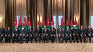 Photo of بعد التعديل: الرزاز بلا نائب والطاقم الحكومي يزيد 4 وزراء ليصل عددهم إلى 29