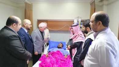 Photo of وزيرالتعليم العالي يزور طالبا كويتيا تعرض لحادث سير