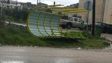 Photo of إربد: الرياح تقتلع مظلة انتظار ركاب بدير السعنة