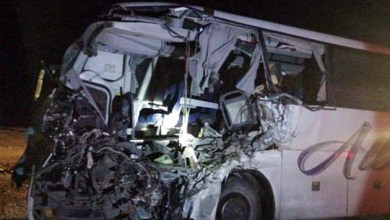 Photo of وفاة وإصابتان بحادث تصادم بين حافلة ركاب وشاحنة في معان