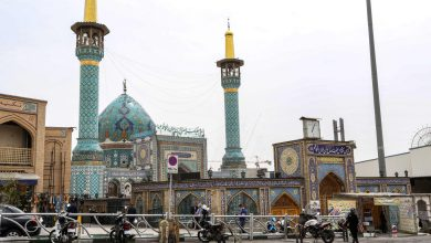 Photo of إيران تستقبل شهر رمضان بغلق المساجد بسبب كورونا