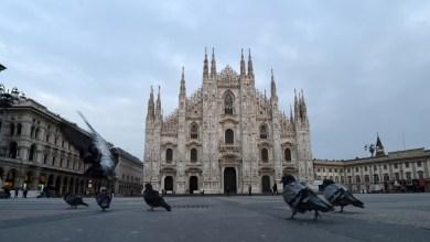 شارع فارغ في ايطاليا حيث أثر الحجر الصحي وحظر التجول أثر على حركة الارض واهتزازاتها