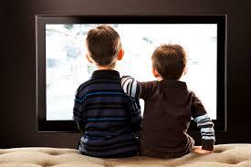 مشاهدة التلفزيون تؤثر على الاطفال