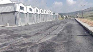 Photo of جرش: ساحات منازل تتحول إلى مواقع صيانة سيارات