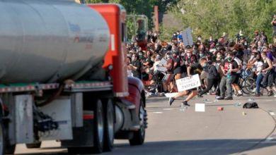 Photo of مظاهرات وأعمال عنف في مدن أمريكية لليوم السادس في تحد لقرار حظر التجول