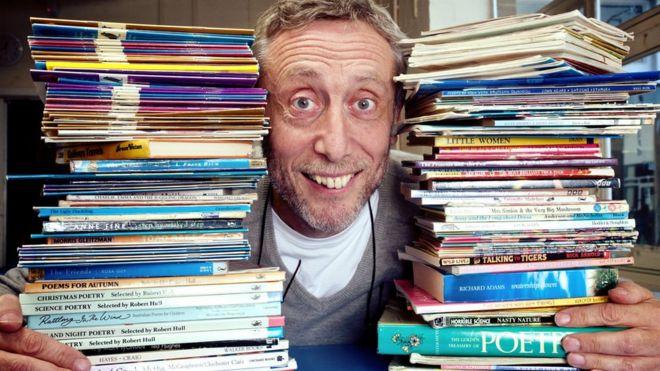 كاتب قصص الأطفال الشهير، مايكل روزن