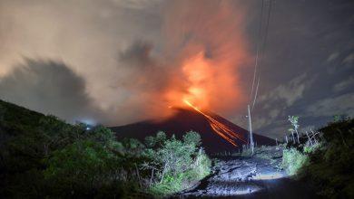 Photo of بركان ميرابي يقذف رمادا على ارتفاع6 الآف متر في إندونيسيا (صور+فيديو)