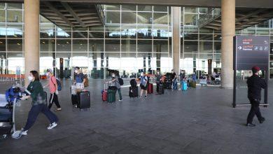 """Photo of """"وكلاء السياحة"""" تنتقد فتح المطار مع حرمانها من العمل"""