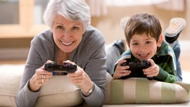 أنه يجب على الآباء والأجداد بذل قصارى جهدهم لحل الخلافات فيما بينهم