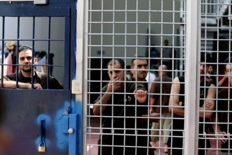 أسرى فلسطينيون في معقتل عوفر - ارشيفية