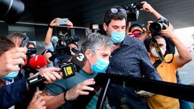 Photo of والد ميسي يلمح إلى امكانية بقاء ابنه في برشلونة