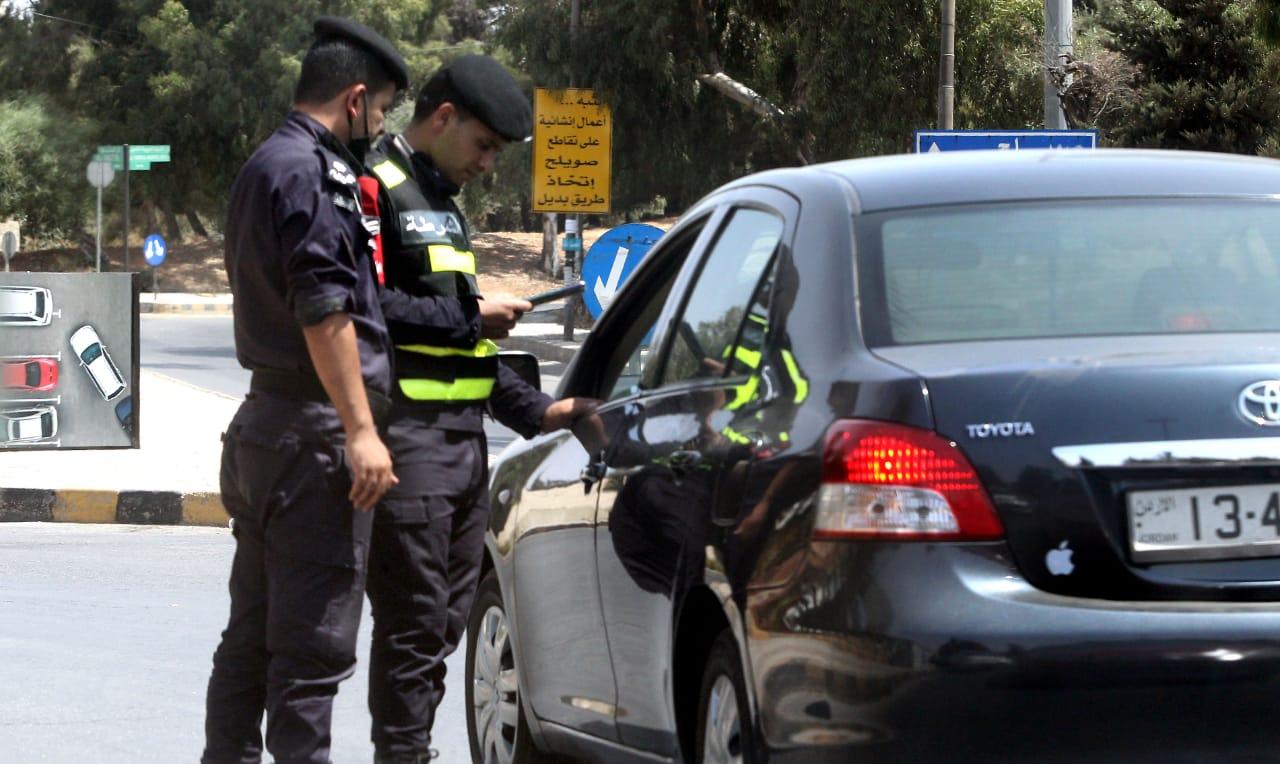 كوادر مديرية الأمن العام تنتشر في عمان اليوم الجمعة لمراقبة الحظر الشامل (تصوير ساهر قدارة)