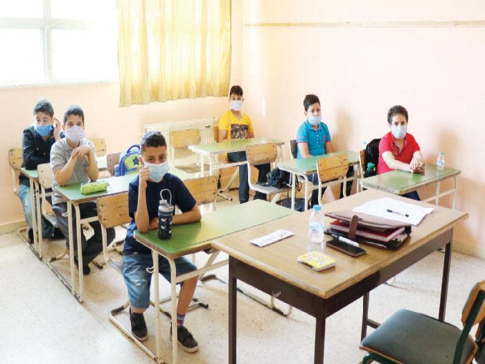 طلاب داخل غرفة صفية بمدرسة خاصة-(تصوير: أمجد الطويل)