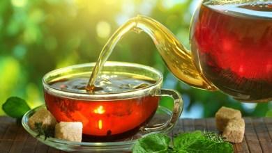 Photo of الفلافانول الموجود في الشاي والتوت والتفاح قد يقلل من ضغط الدم