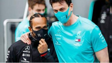 Photo of هاميلتون في طريقه لتمديد عقده مع مرسيدس ووولف يوقع لثلاثة أعوام