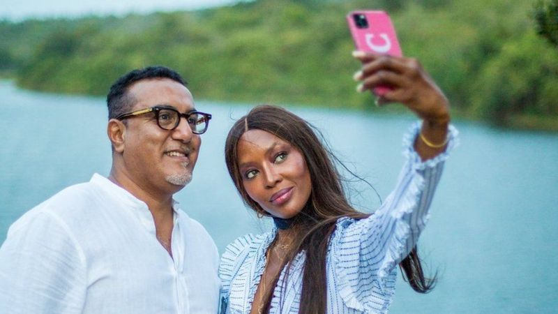 أتمت كامبل الصفقة مع وزير السياحة الكيني في مطلع الأسبوع