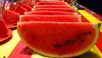 Photo of خبراء: رمي بذور البطيخ يعني فقدان عناصر غذائية هامة وضرورية