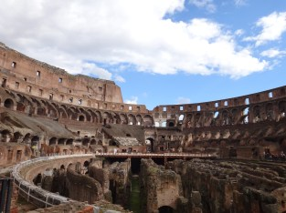 Dentro do Coliseu - acostume-se a ver as ruínas