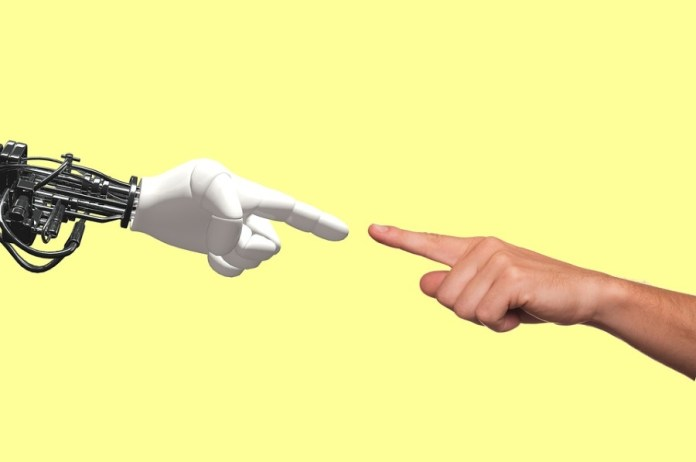 Humans and artificial intelligence working together in diagnosis