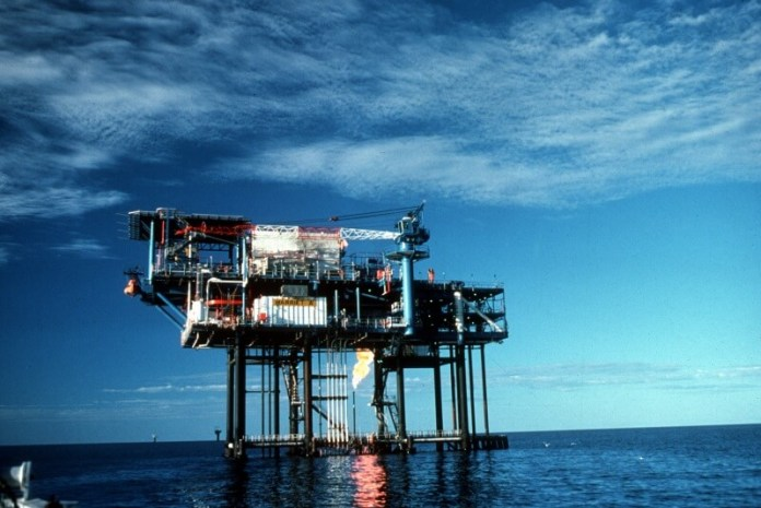 Oil_and_Gas_Drilling_Platform