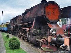 steam-locomotive-1284800__180
