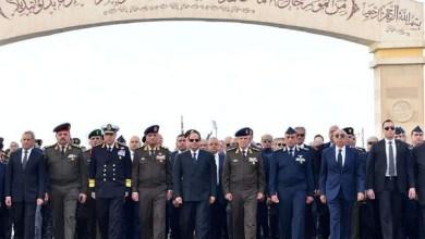 صور السيسي وقيادات الجيش المصري