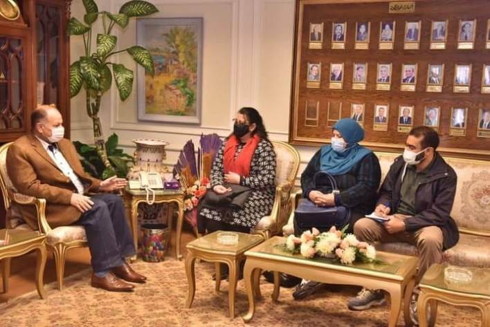محافظ أسيوط يلتقي مسئولي هيئة هانديكاب انترناشيونال بمصر لدعم مشروعات الأشخاص ذوى الإعاقة بالمحافظة
