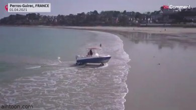 فيديو .. قارب يتنقل بين الشوارع والبحار - صحيفة هتون الدولية