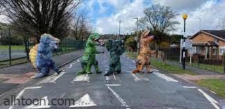 شاهد: الشرطة البريطانية تطارد المرأة الديناصور - صحيفة هتون الدولية