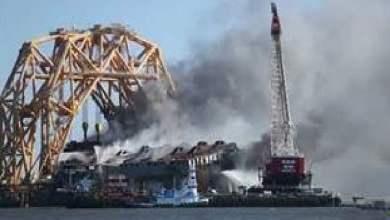 شاهد: لحظة احتراق سفينة في أمريكا - صحيفة هتون الدولية