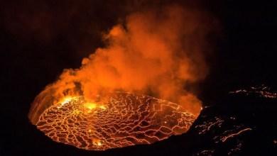 شاهد: حمم بركانية تتدفق من بركان - صحيفة هتون الدولية