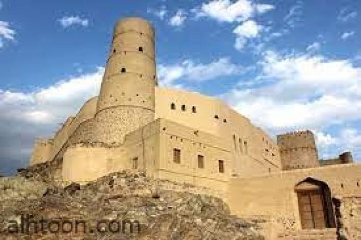 قلعة بهلاء ..أكبر وأقدم القلاع في محافظة الداخلية -صحيفة هتون الدولية
