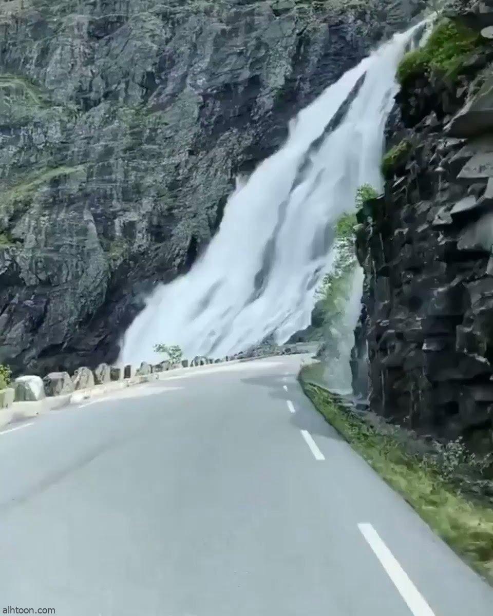 """هكذا يبدو شكل الشلالات على طريق بـ""""النرويج"""" - صحيفة هتون الدولية"""