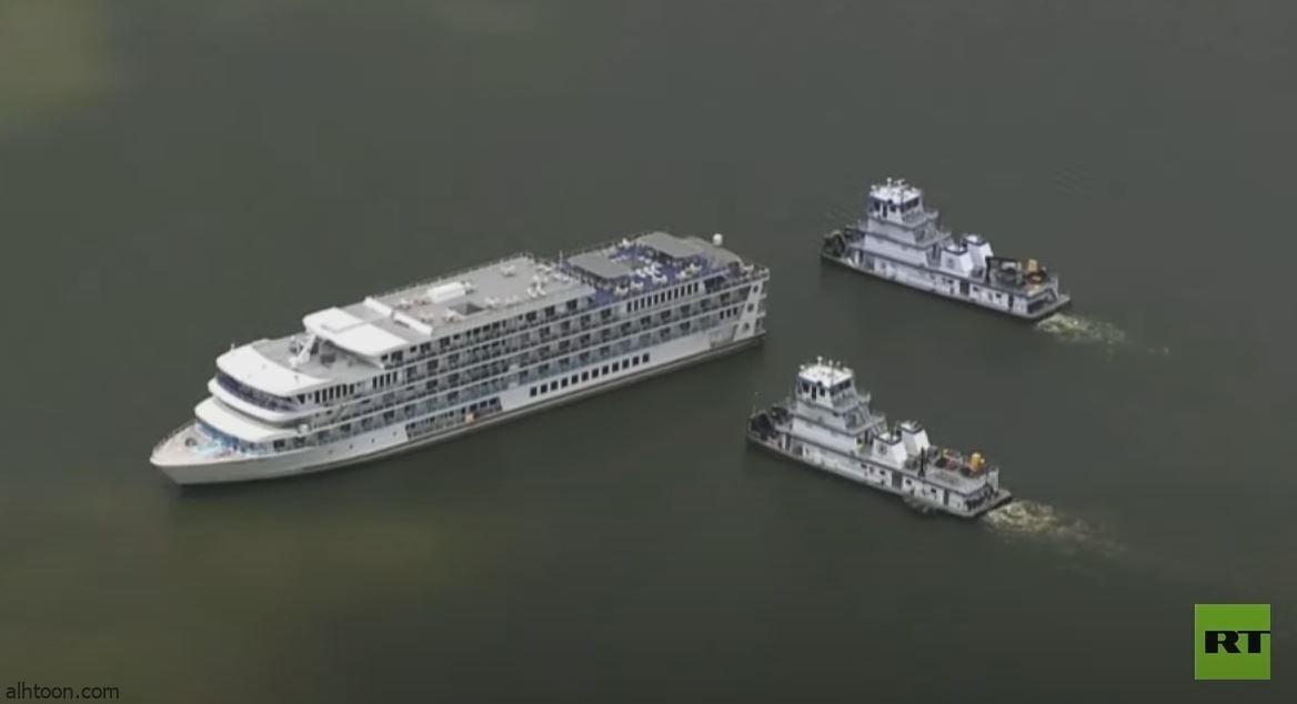 شاهد: سفينة سياحية تعلق في بحيرة - صحيفة هتون الدولية