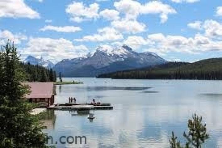 تعرف على أجمل بحيرات كندا -صحيفة هتون الدولية