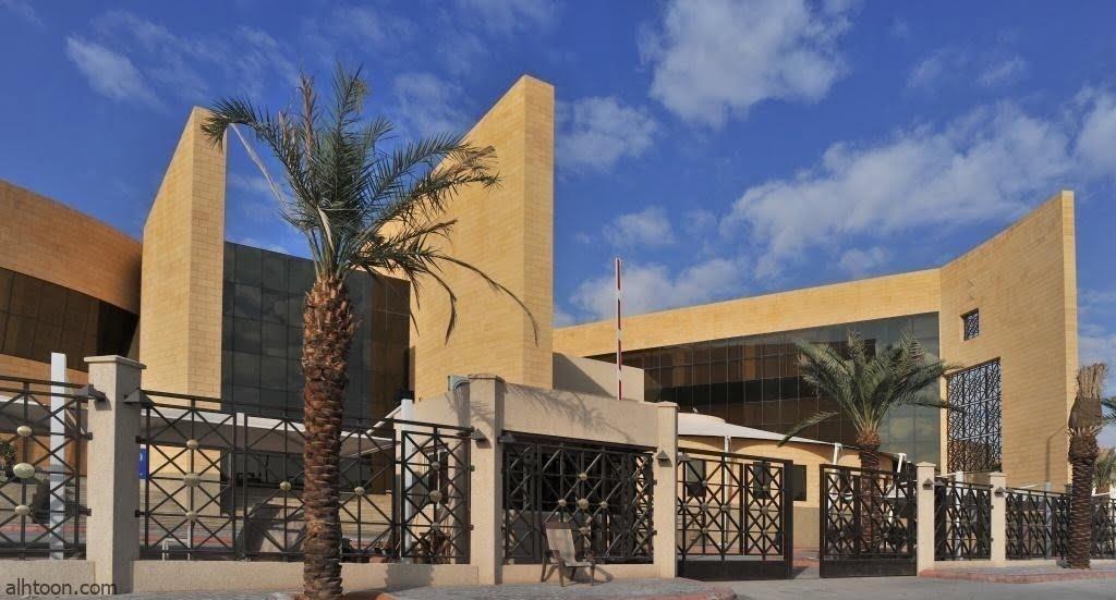 الحربش يتحدث عن تجربته في القراءة في لقاء بمكتبة الملك عبدالعزيز غداً -صحيفة هتون الدولية-