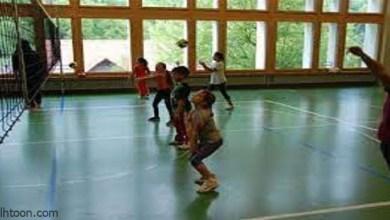 ممارسة كرة الطائرة للأطفال -صحيفة هتون الدولية