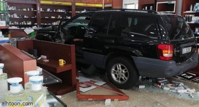 شاهد: سيارة تقتحم صيدلية في لبنان - صحيفة هتون الدولية