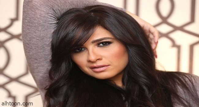 ياسمين عبدالعزيز إلى سويسرا لاستكمال العلاج