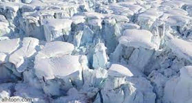 شاهد جبلاً جليدياً ينشق في ألاسكا