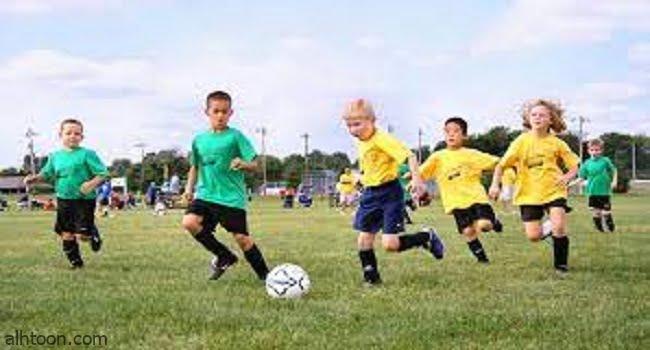 """""""كرة القدم"""" رياضةٌ ممتعة للأطفال -صحيفة هتون الدولية-"""