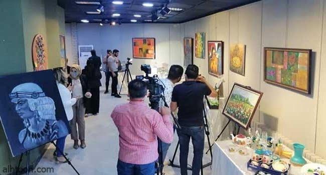 التشكيلي خالد حمزة يعبر عن لحظات القوة والضعف