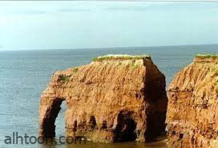 """تعرف على صخرة """"الفيل"""" في آيسلندا -صحيفة هتون الدولية"""
