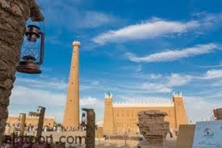 برج الشنانة .. برج بني من الطين قبل 264 سنة -صحيفة هتون الدولية