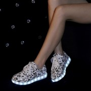 Size-35-46-Hot-8-Color-LED-Luminous-Shoes-Men-Women-Fashion-Casual-Yeezy-Lighted-Glowing3